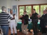 trofeo-bcc-2013-memorial-santostasi-sq-vincitrice-le-molette-mauro-santostasi-premia-il-cap-gustavo-verde.jpg